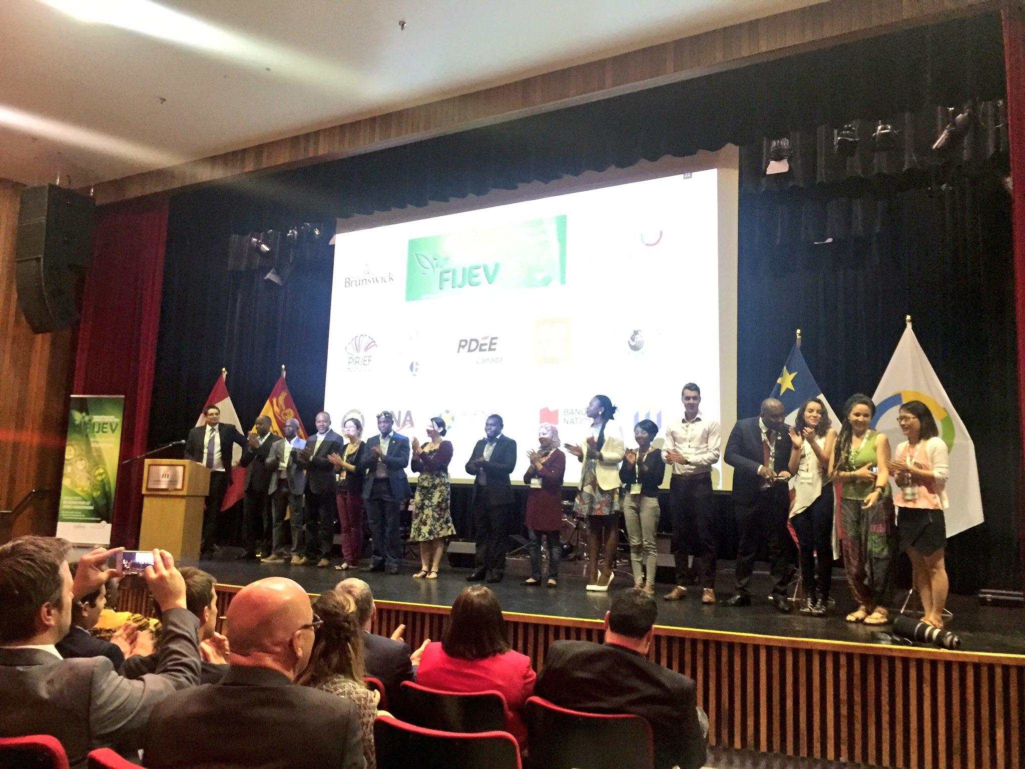 Remise de Prix au Concours de Bourses aux d'Emplois Verts organisé par Organisation Internationale de la Francophonie à Moncton – Canada
